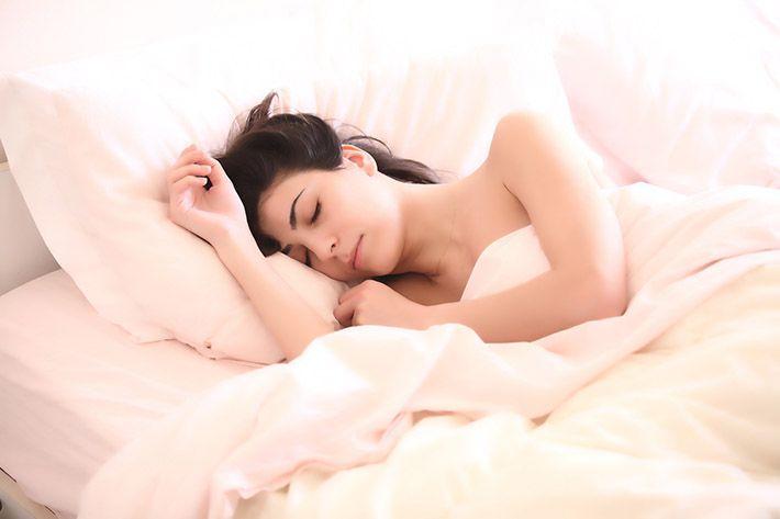 Sovande_kvinna_bilden