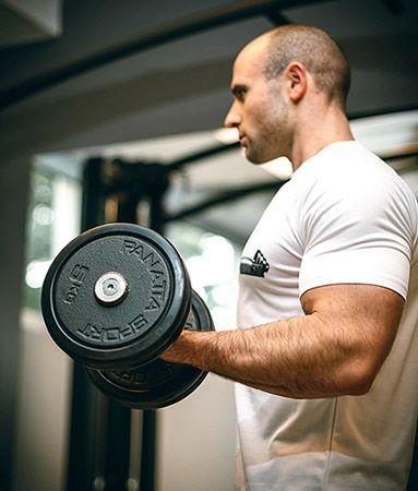 man-tränar-hårt