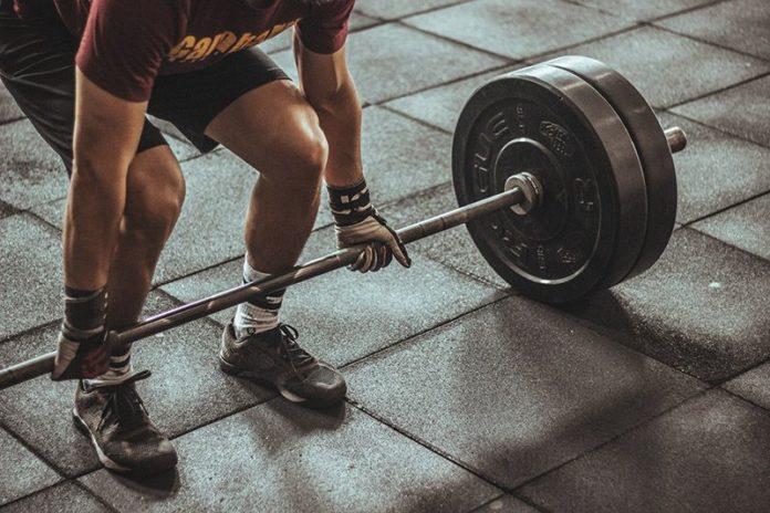 Gymtränande-man
